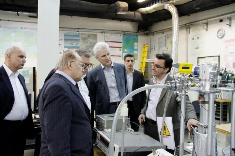 Visit of Andrei Fursenko (Vice President of Science and Technology of Russia)_2